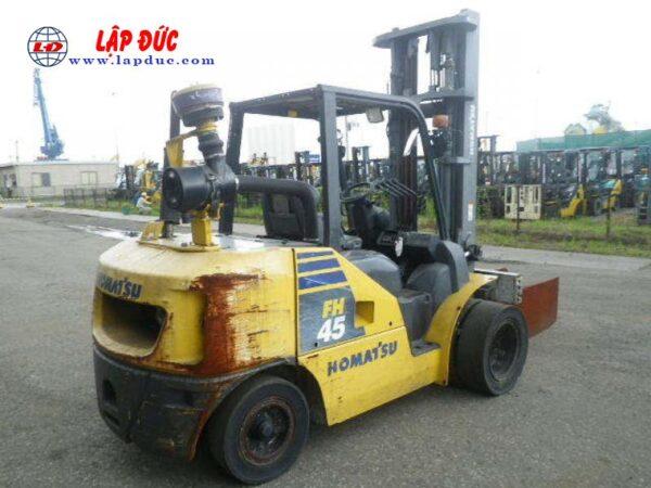 Xe nâng dầu 4.5 tấn KOMATSU FH45-1 # 138223 giá rẻ