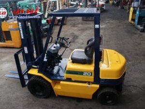 Xe nâng dầu cũ 2 tấn KOMATSU FD20-11 # 461369 giá rẻ