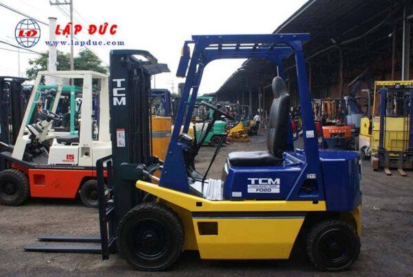 Xe nâng dầu cũ TCM 2 tấn FD20Z2 # 559006386 giá rẻ