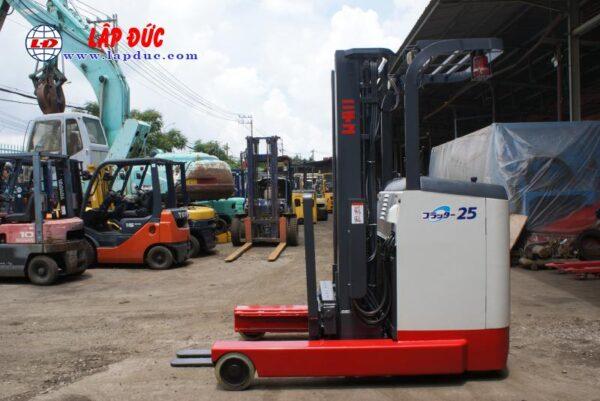 Xe nâng điện đứng lái NICHIYU 2.5 tấn FBR25-75-500 # 3062 giá rẻ