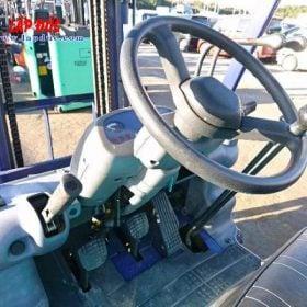 Xe nâng động cơ dầu 2.5 tấn KOMATSU FD25C-12 # 515601 giá rẻ