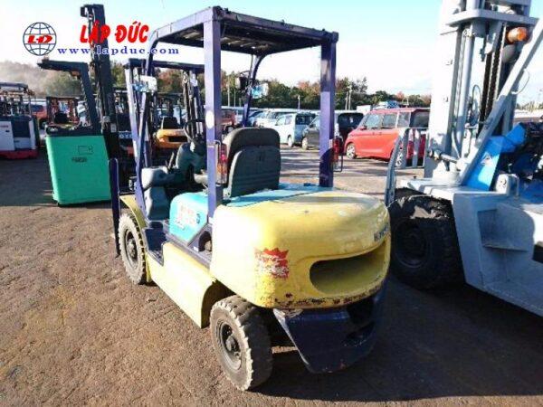 Xe nâng dầu KOMATSU 2.5 tấn FD25C-12 # 515601 giá rẻ