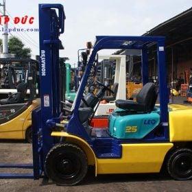 Xe nâng động cơ dầu 2.5 tấn KOMATSU FD25C-12 # 532585 giá rẻ