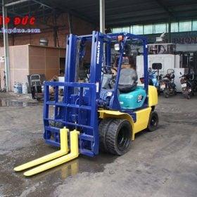 Xe nâng cũ động cơ dầu KOMATSU 2.5 tấn FD25T-14 # 557334 giá rẻ