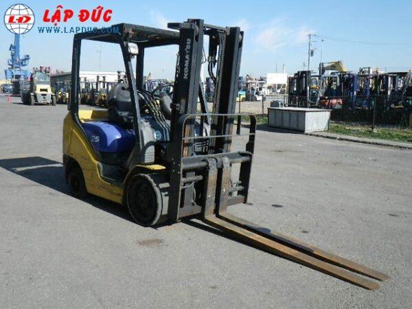 Xe nâng xăng KOMATSU 2.5 tấn FG25NT-15 giá rẻ