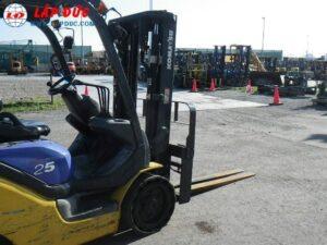 Xe nâng máy xăng KOMATSU 2.5 tấn FG25NT-15 giá rẻ