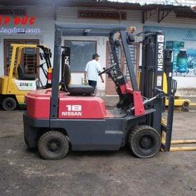 Xe nâng máy xăng NISSAN 1 tấn NJ01A10# 117591 giá rẻ