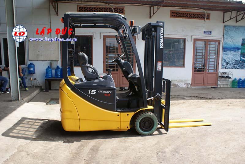Xe nâng điện ngồi lái KOMATSU 2.5 tấn cũ 4