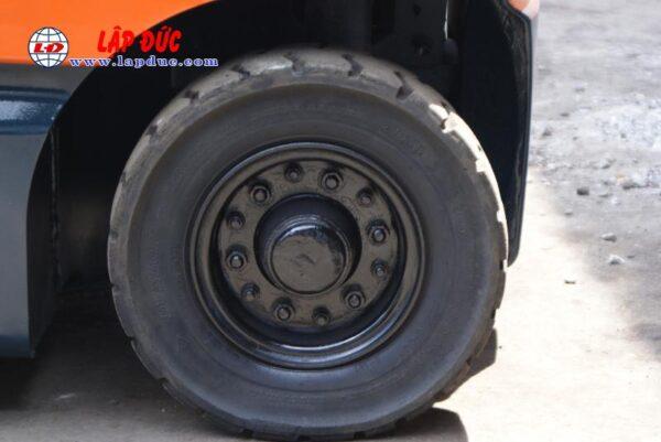 Xe nâng điện ngồi lái TOYOTA 1.5 tấn 7FBL15 # 11003