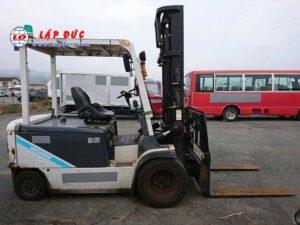 Xe nâng điện ngồi lái cũ UNI CARRIERS 3.5 tấn FB35-8S giá rẻ