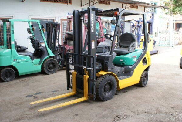 Xe nâng xăng KOMATSU 1.5 tấn FG15LC-20 # 653597 giá rẻ