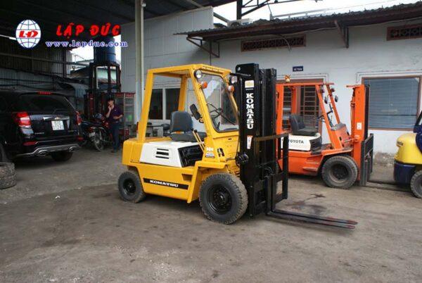 Xe nâng xăng KOMATSU 2 tấn FG20-7 # 107531 giá rẻ