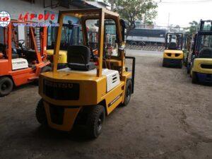 Xe nâng máy xăng KOMATSU 2 tấn FG20-7 # 107531 giá rẻ
