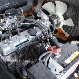 Xe nâng động cơ xăng TOYOTA 7FG25 # 15905 giá rẻ