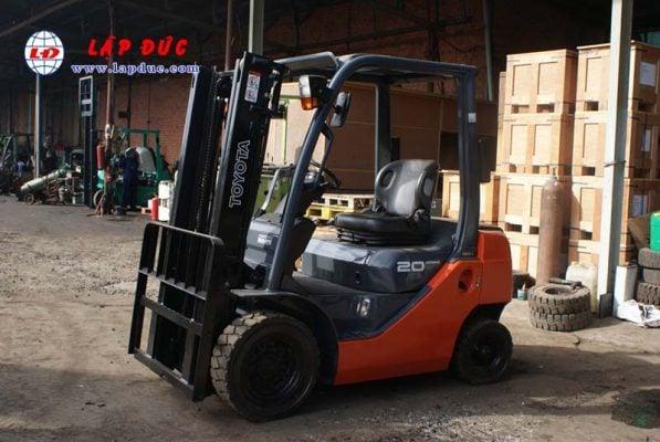 Xe Nâng Xăng 2 tấn TOYOTA 8FGL20 # 33536