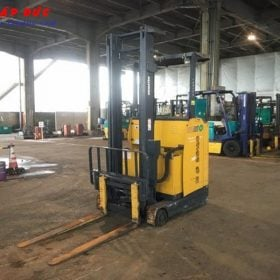 Xe nâng điện KOMATSU 1 tấn đứng lái FB10RL-12