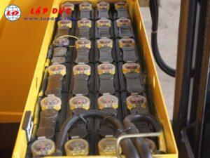 Xe nâng điện KOMATSU 1 tấn đứng lái FB10RL-12 giá rẻ