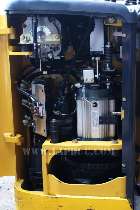 Xe nâng điện đứng lái KOMATSU 1.8 tấn FB18RL-14