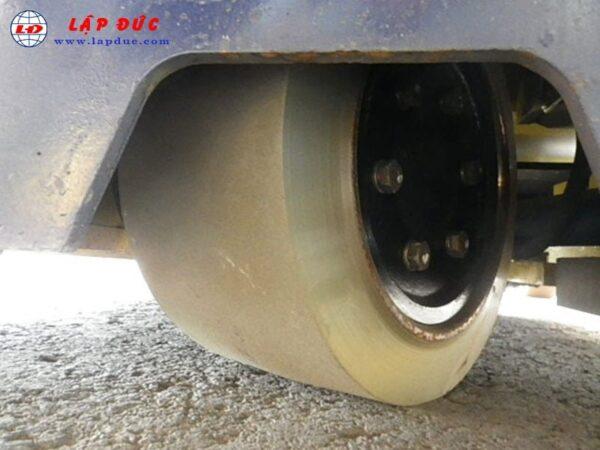 Xe nâng điện đứng lái 2 tấn KOMATSU FB20RL-4