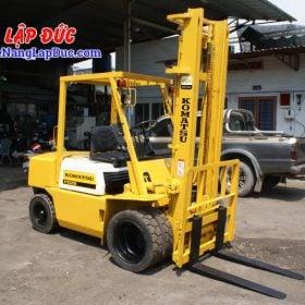 Xe nâng cũ động cơ dầu KOMATSU 2.5 tấn FD25L-8 # 160080 giá rẻ