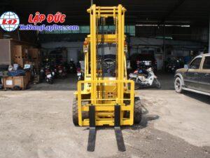 Xe nâng động cơ dầu 2.5 tấn KOMATSU FD25L-8 # 160080 giá rẻ