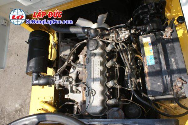 Xe nâng 2.5 tấn máy dầu KOMATSU FD25L-8 # 160080 giá rẻ