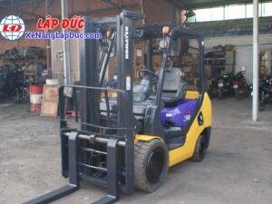 Xe nâng 3 tấn máy dầu KOMATSU FD30NT-16 giá rẻ