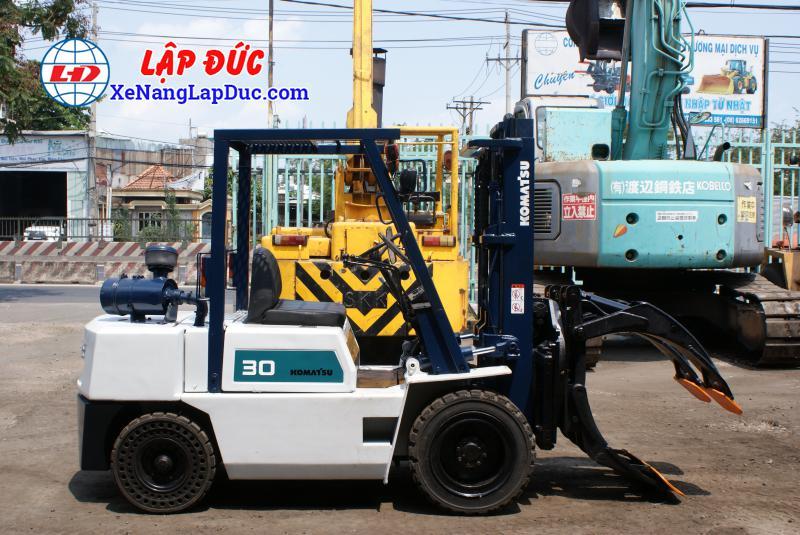 Xe nâng dầu cũ 3 tấn KOMATSU FD30-10 #23197 giá rẻ