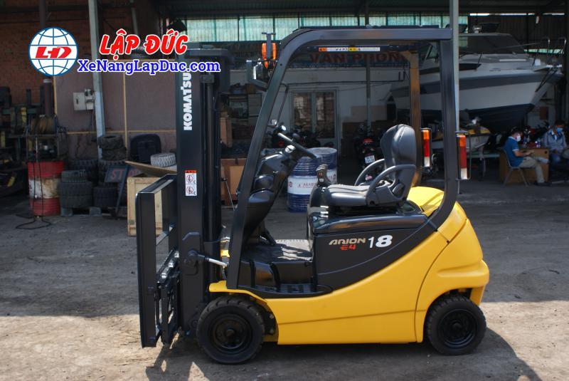 Xe nâng điện ngồi lái KOMATSU 2.5 tấn cũ 3