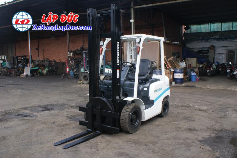 xe nang dau 2500kg uni fd25t14 10