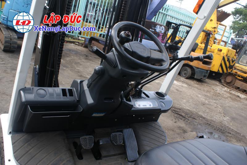 xe nang dau 2500kg uni fd25t14 11